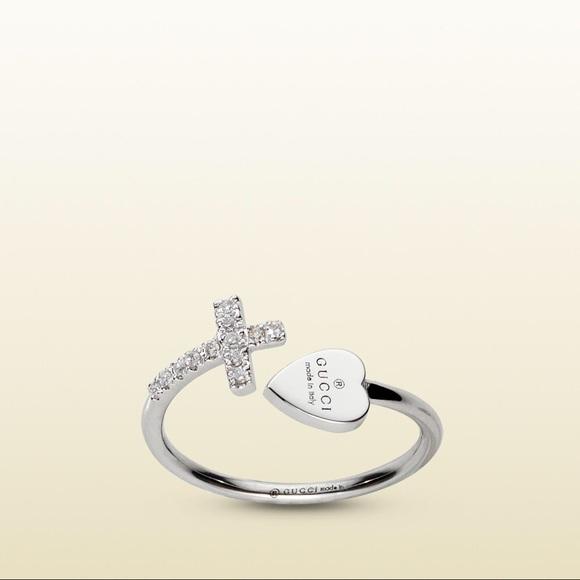 Gucci 18K White Gold Heart \u0026 Diamond Cross Ring